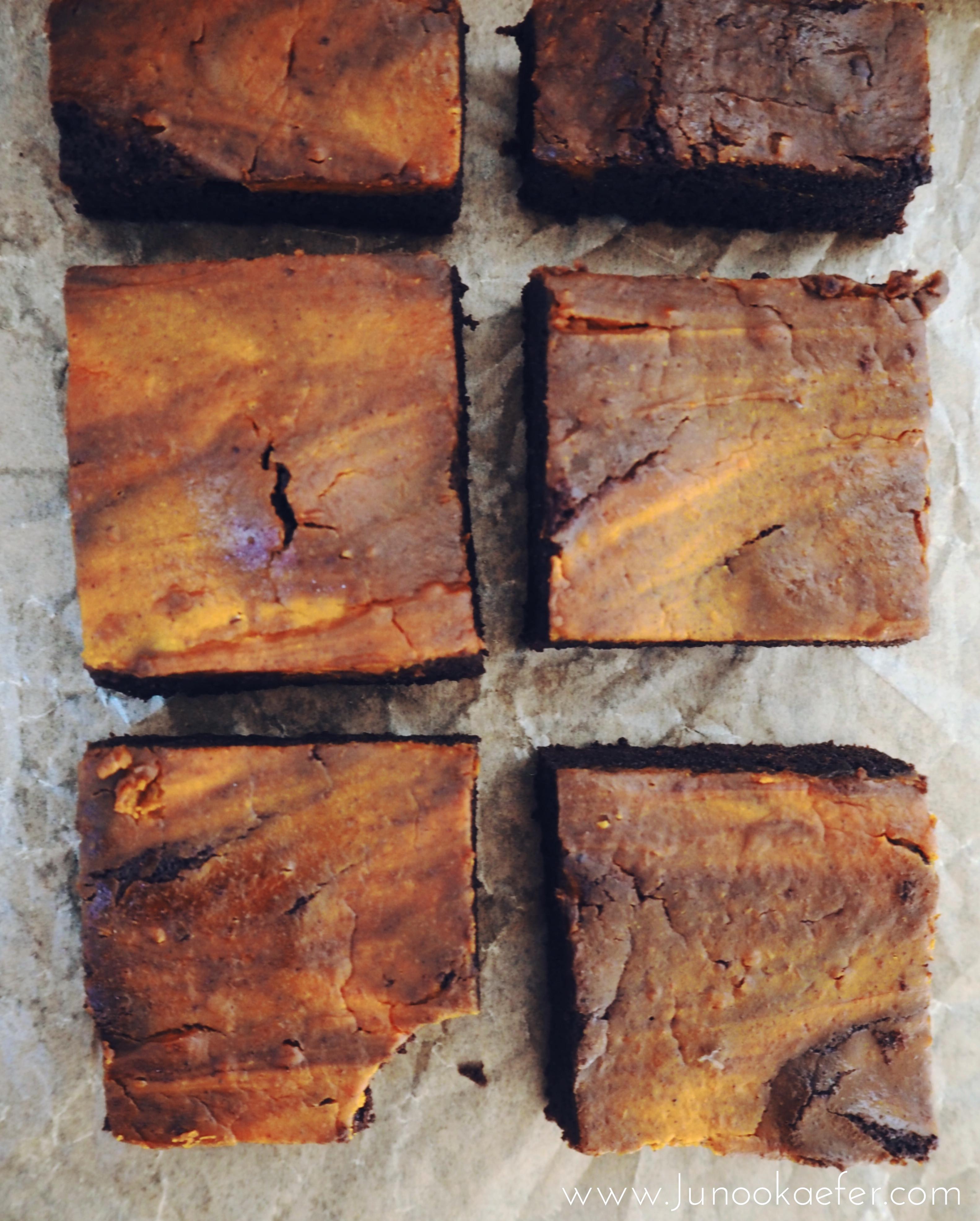 Kürbis-Brownies auf Backblech